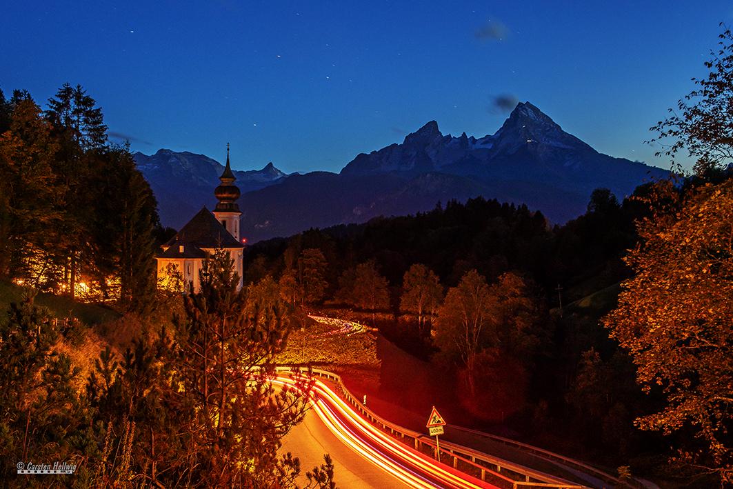 Kirche und Berg