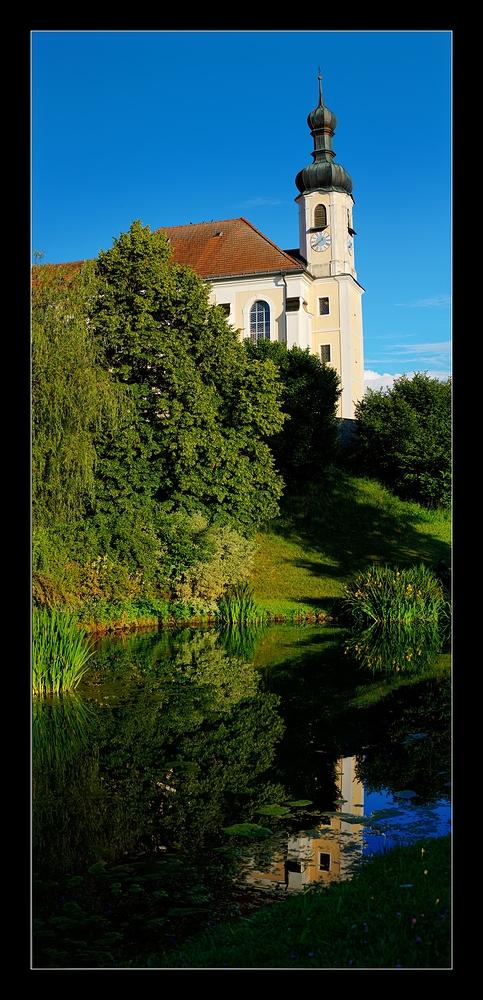 Kirche von Breitbrunn am Chiemsee (Schmal)