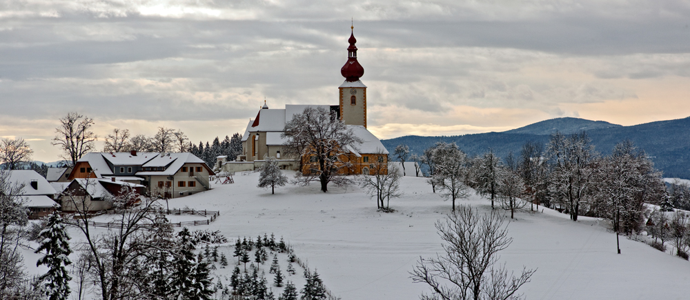 Kirche Von St Pankrazen An Einem Trüben Wintertag Foto Bild