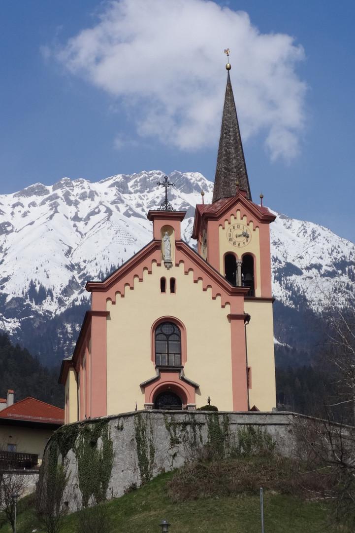 """Kirche """"Zu den Heiligen Leonhard und Antonius"""""""
