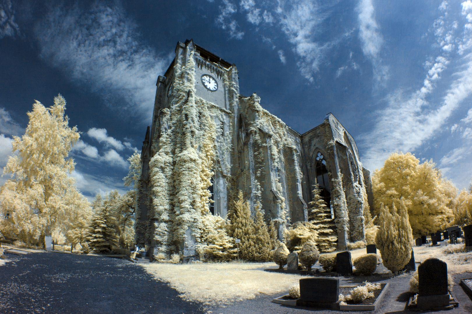 Kirchenruine Wachau in Infrarot