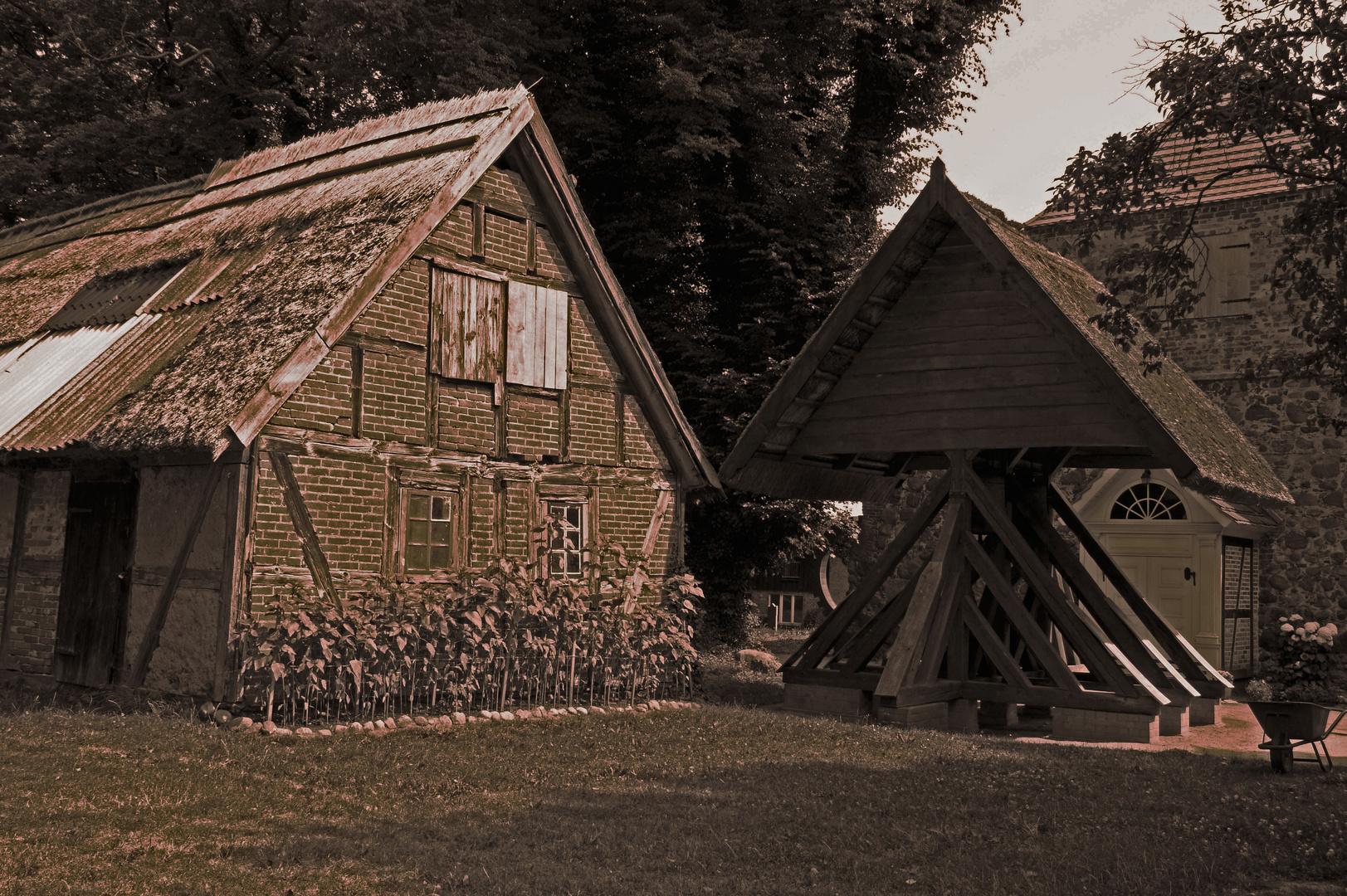 Kirchhof in einem kleinen Dorf auf Usedom
