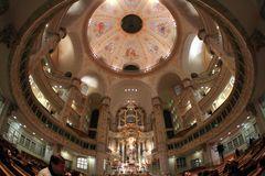 Kirchraum Dresdner Frauenkirche