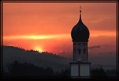 >> Kirchturm + Sonnenuntergang <<
