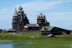 Kishi . russisches Dorf  auf einer Insel im Onegasee