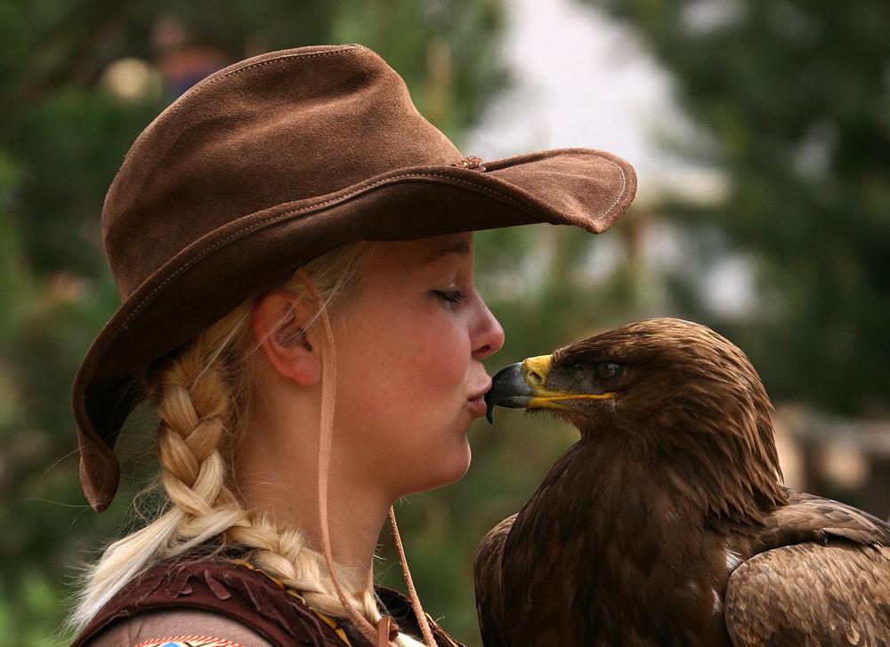 Kiss like an eagle.....