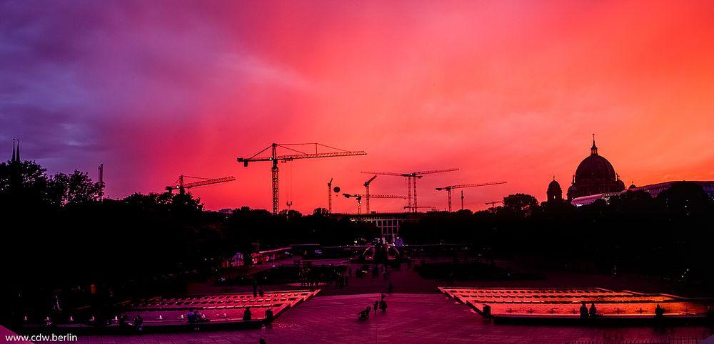 'kitsch'-himmel über berlin 14.10.