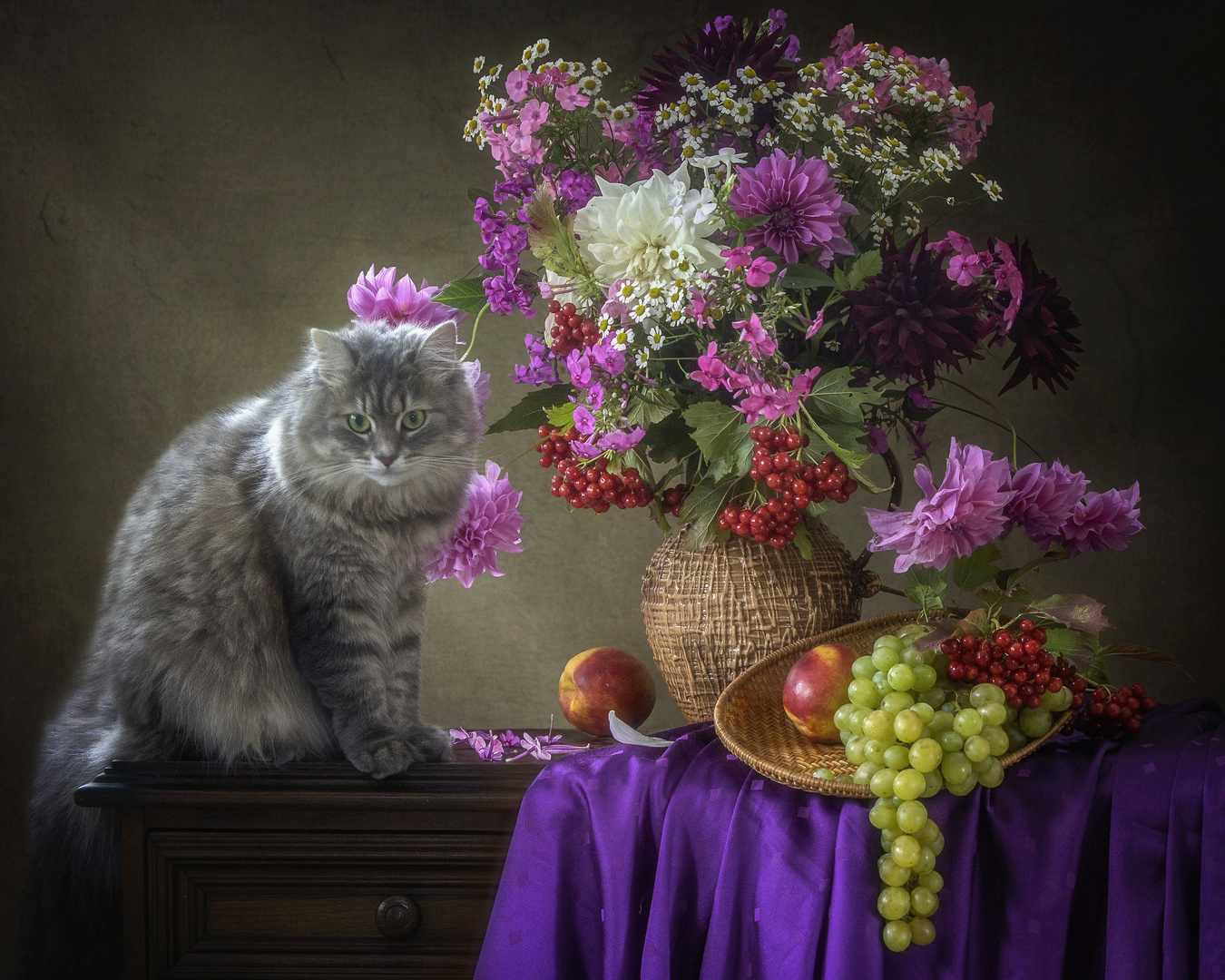 Kitty and autumn bouquet