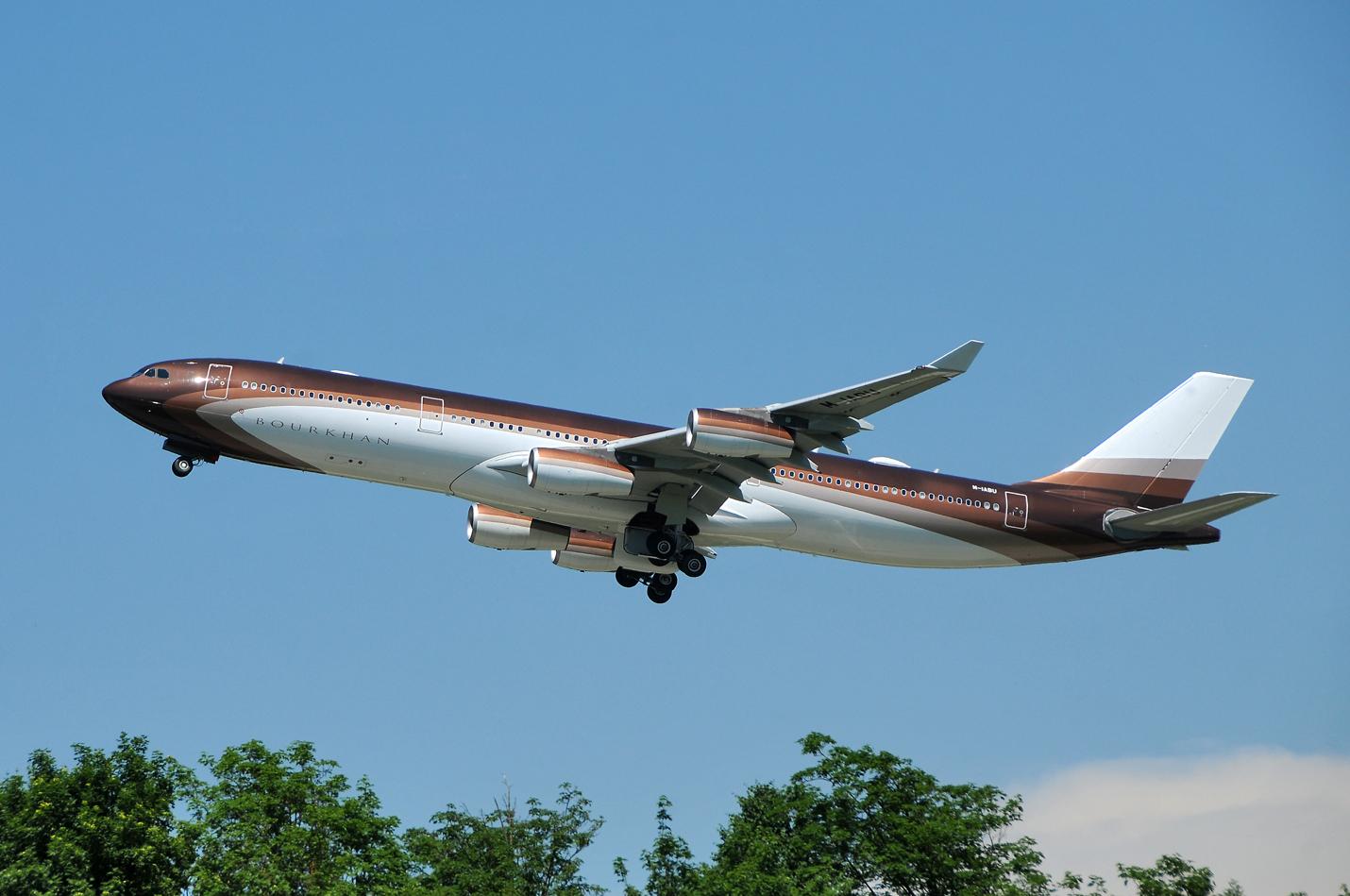 Klaret Aviation  Airbus A340-313X  M-IABU