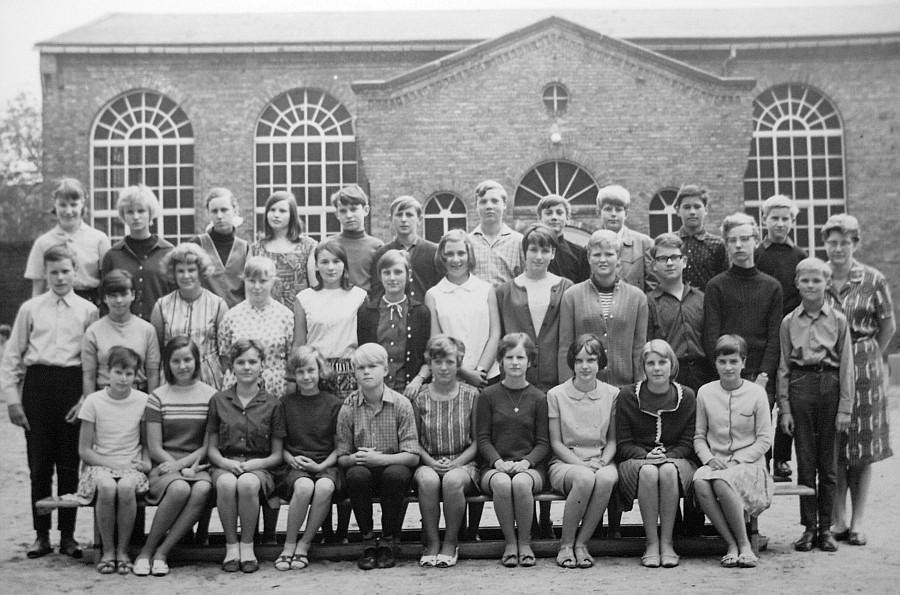 Klassenfoto Marx-Engels-Schule Halberstadt