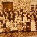 Klassenfoto von 1908 aus der Eifel