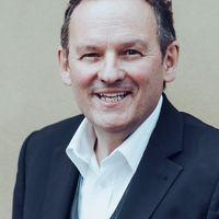 Klaus G Hommer