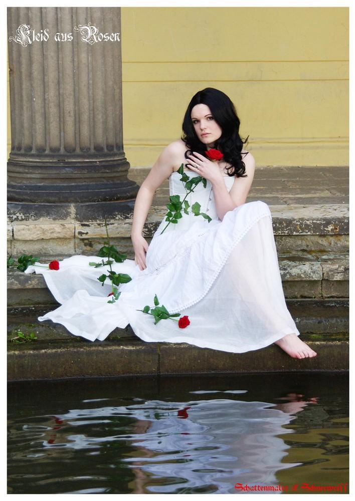 Kleid aus Rosen