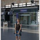 Kleine Jana im großen Bahnhof