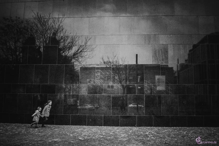 Kleine Kinder in der großen Stadt - 2