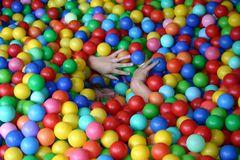 Kleine Kinder spielen gern....
