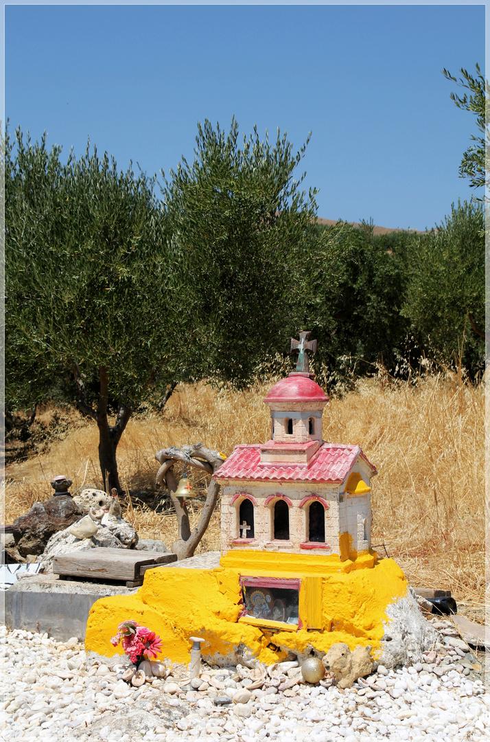 kleine Kirchen am Wegesrand