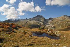 Kleiner Bergsee-Spiegel