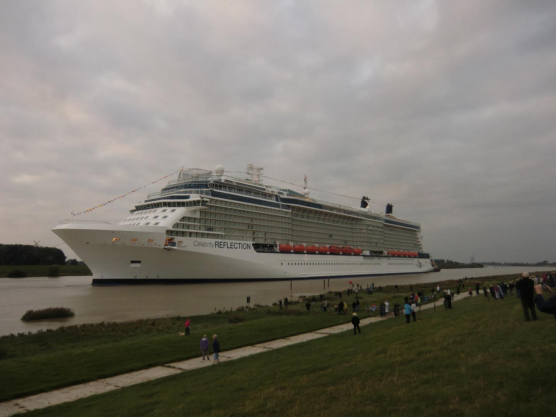 Kleiner Fluß, Großes Schiff