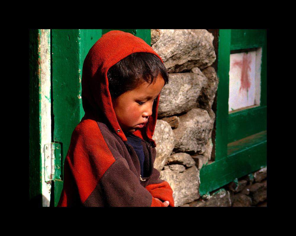 Kleiner Junge in Pakding, Nepal