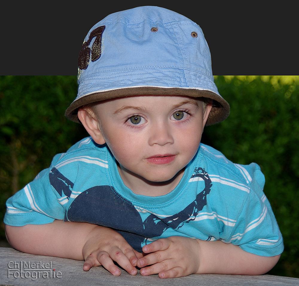 Kleiner Mann mit Mütze