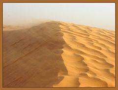 kleiner Sandsturm in der Sahara