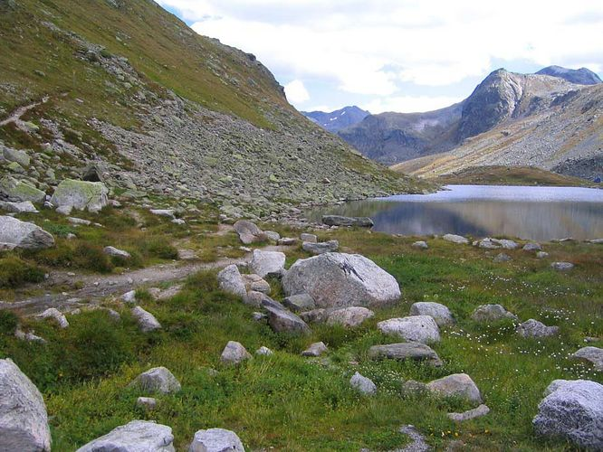 Kleiner See oben am Flüelapass