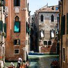 Kleiner Seitenkanal in Venedig