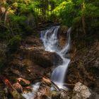 Kleiner Wasserfall am Lainbach