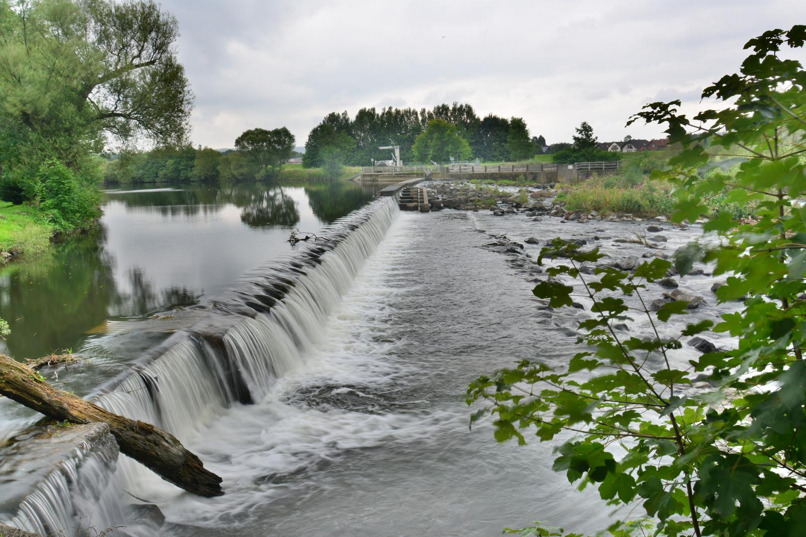 Kleiner Wasserfall an der Sieg