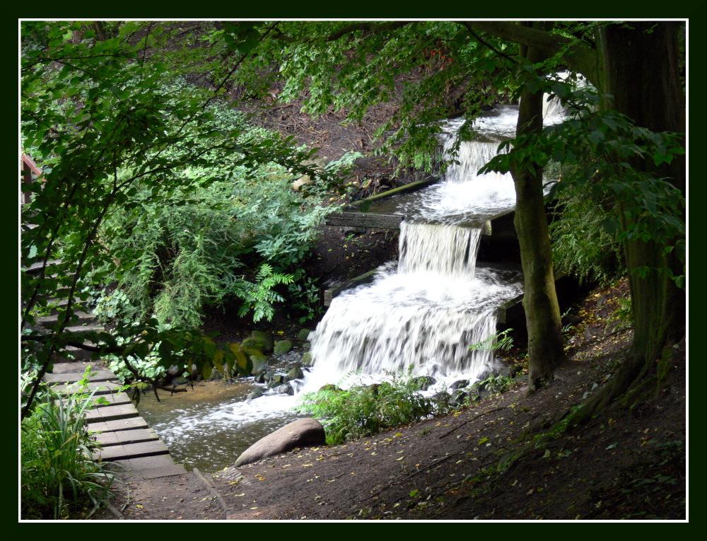 Kleiner Wasserfall - Planten un Bloomen