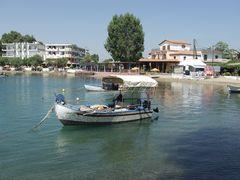 kleines Fischerboot in Euböa GR