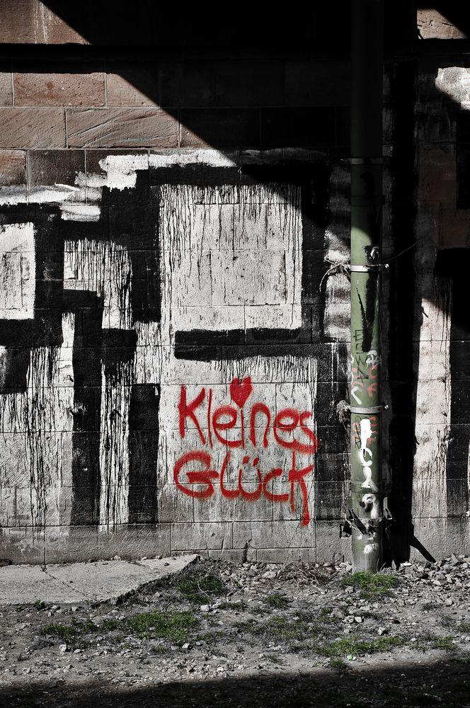 KLEINES GLÜCK