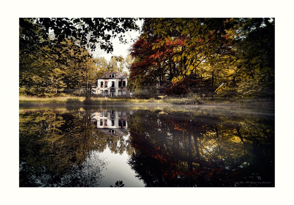 Kleines Haus am See ] Foto & Bild | architektur, lost places, urbex ...