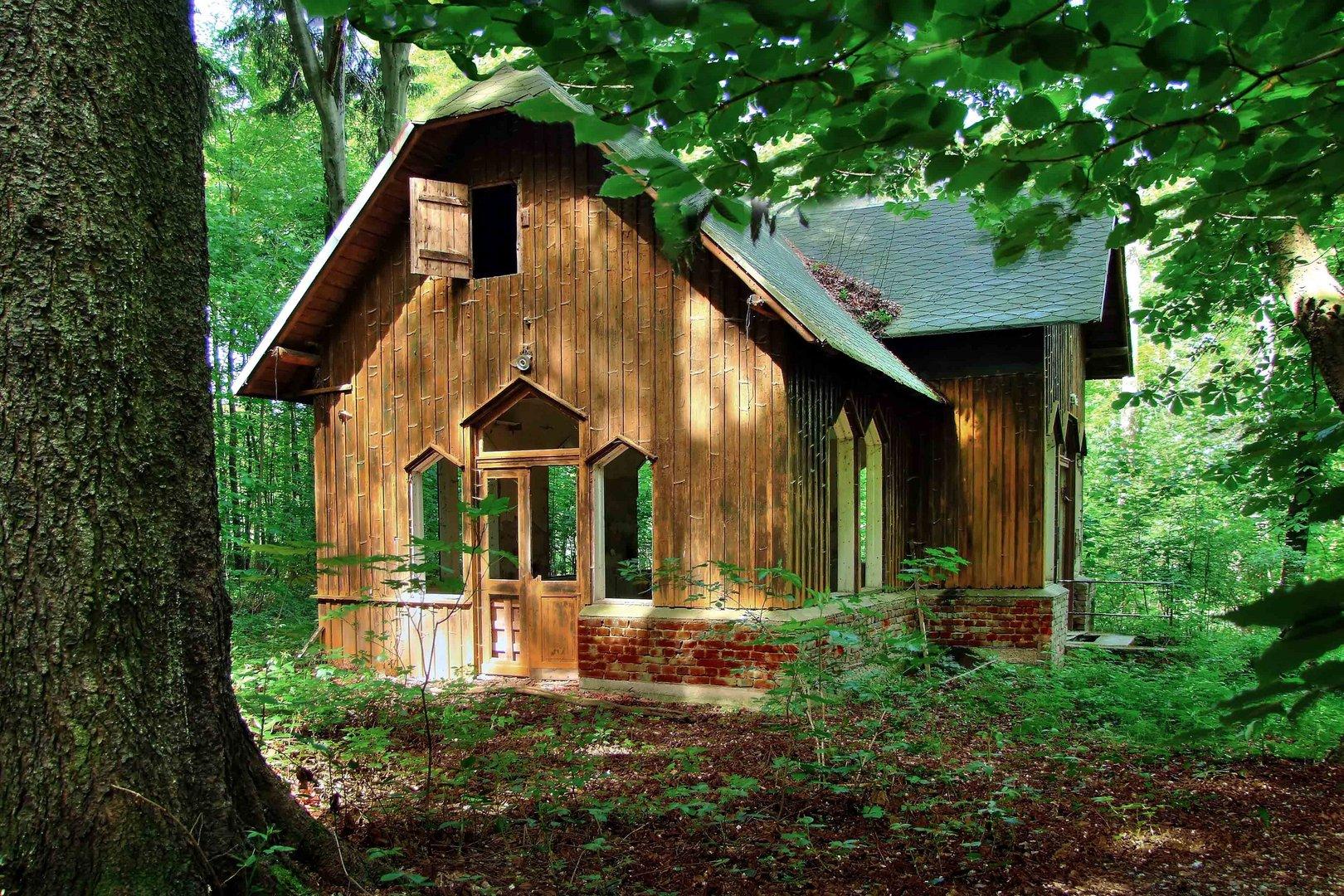 kleines haus am wald foto bild landschaft wald natur bilder auf fotocommunity. Black Bedroom Furniture Sets. Home Design Ideas