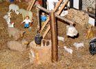 Kleinkunst in Form eines Bauernhofes (4) ...