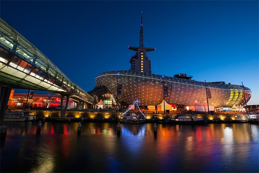 Klimahaus bremerhaven foto bild architektur motive architektur bei nacht bilder auf - Architektur bremerhaven ...