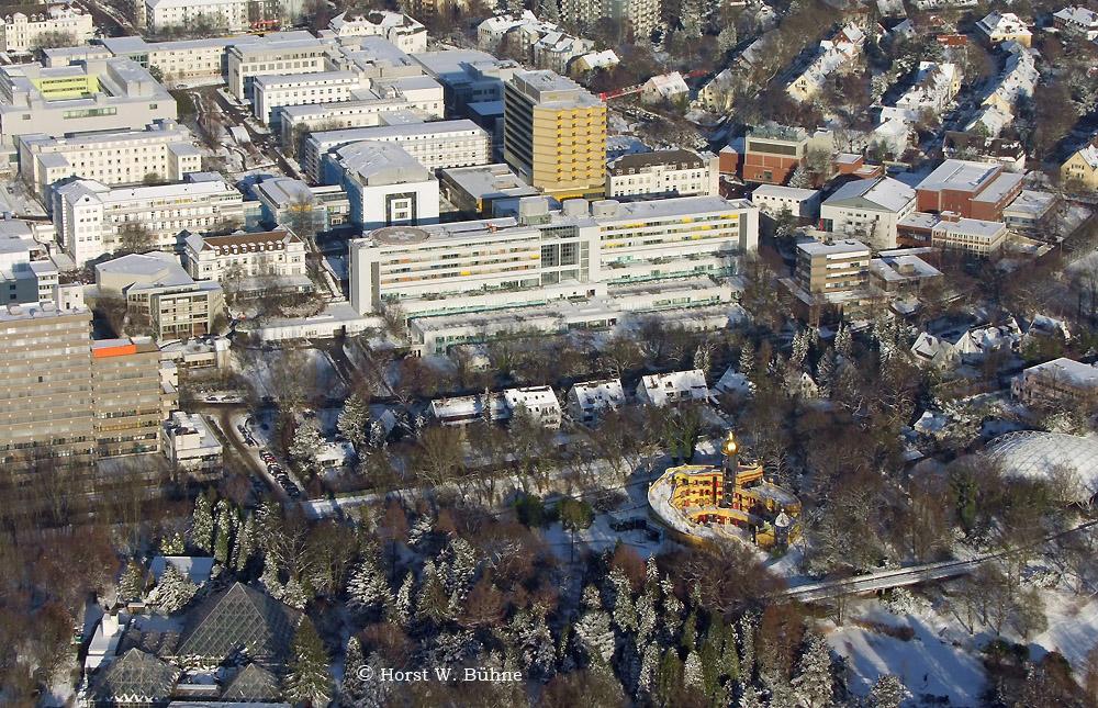 Klinikum Essen, Gruga mit Hundertwasser-Haus im Schnee