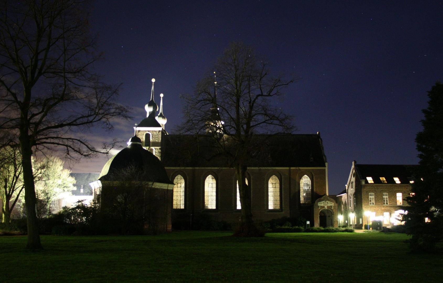 Kloster Kamp bei Nacht
