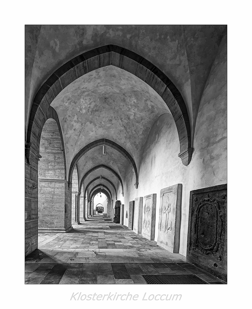 """Kloster Loccum """"Blick in den Seitenschiff..."""""""