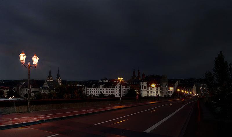 Koblenz. Auf der Mosel-Brücke