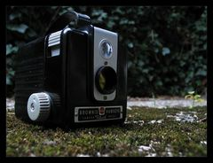 ...kodak brownie hawkeye camera flash model...