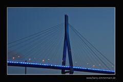 Köhlbrandbrücke Blau
