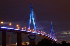 Köhlbrandbrücke in blau