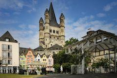 Köln Altstadt im Martinswinkel - Rheinpromenade -