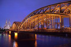 Köln bei Nacht.....