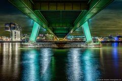 Köln bei Nacht - Unter der Severinsbrücke