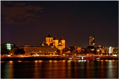 Köln bei Nacht - vom Deutzer Ufer aus gesehen