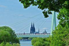 Köln-Deutz - Blick über die Severinsbrücke au den Dom