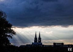 Köln - Es wird dunkel